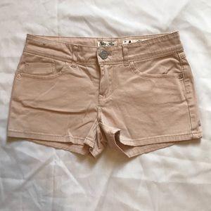 Indigo Rein, light pink shorts